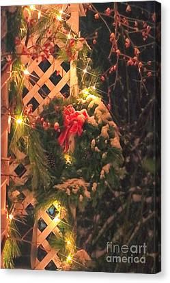 Christmas Wreath Canvas Print by Elizabeth Dow