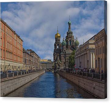 Church Of The Savior On Spilled Blood Canvas Print by Capt Gerry Hare