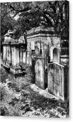 Churchyard Of Old Charleston Canvas Print