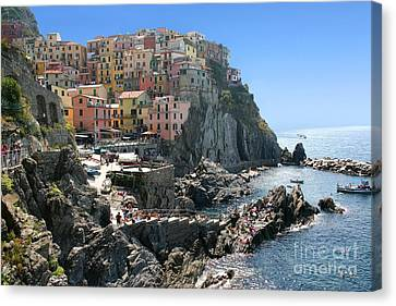 Cinque Terre In Italy Canvas Print by Giancarlo Liguori