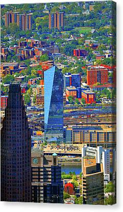 Canvas Print featuring the photograph Cira Centre 2929 Arch Street Philadelphia Pennsylvania 19104 by Duncan Pearson