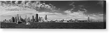 City - Chicago Il -  Chicago Skyline And The Navy Pier - Bw Canvas Print