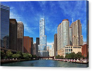 City - Chicago Il - Trump Tower Canvas Print by Mike Savad