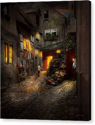 City - Germany - Alley - Coming Home Late 1904 Canvas Print
