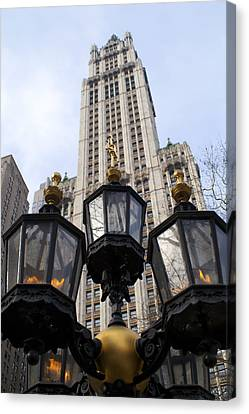 City Hall Area Nyc Canvas Print by Henri Irizarri