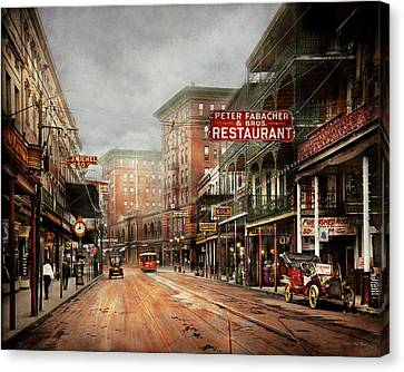 City - New Orleans - A Look At St Charles Ave 1910 Canvas Print by Mike Savad