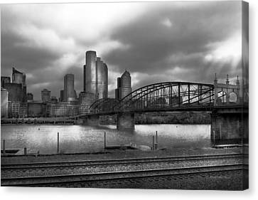 City - Pittsburgh Pa - Smithfield Bridge Bw Canvas Print by Mike Savad