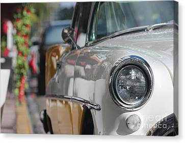 Classic Car On Miami Beach Canvas Print