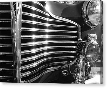 Classic Cars - 1941 Chevy Special Deluxe Business Coupe - Grille And Headlight - Black And White Canvas Print by Jason Freedman