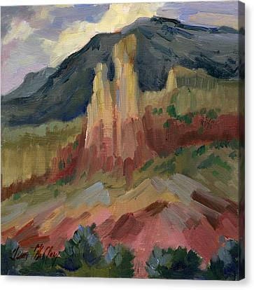 Cliff Chimneys At Georgia O'keeffe's Ghost Ranch Canvas Print by Diane McClary