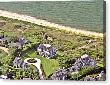 Cliff Road Houses Nantucket Island 4 Canvas Print by Duncan Pearson