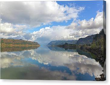Clouds Reflection On The Columbia River Gorge Canvas Print by David Gn