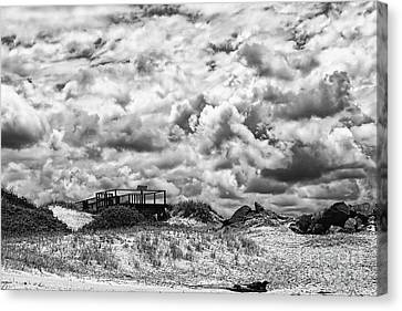 Canvas Print featuring the photograph Cloudy Beach Black And White By Kaye Menner by Kaye Menner