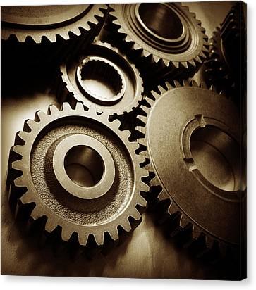 Cogs 1 Canvas Print by Les Cunliffe