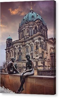 Cold Shoulder In Berlin Canvas Print