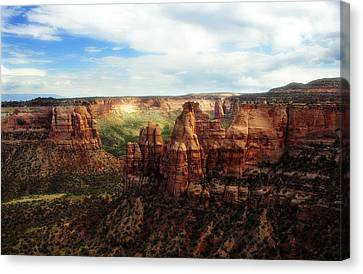 Colorado National Monument Canvas Print by Marilyn Hunt