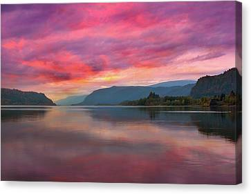 Colorful Sunrise At Columbia River Gorge Canvas Print by David Gn