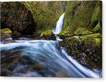 Canvas Print featuring the photograph Columbia Cascade by Mike Lang