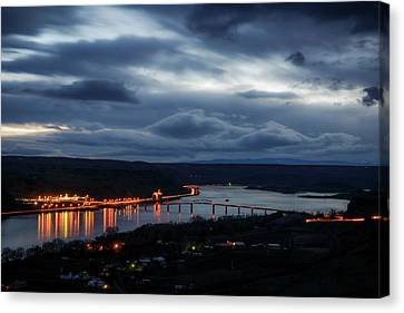 Canvas Print featuring the photograph Columbia River by Cat Connor