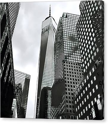 Commuters' View Of 1 World Trade Center Canvas Print