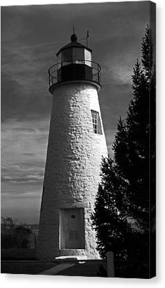 Concord Point Lighthouse Md Canvas Print by Skip Willits