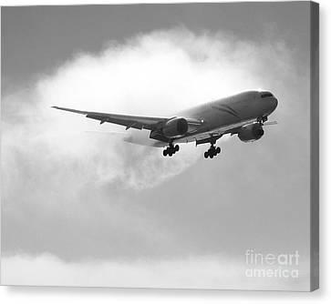 Canvas Print featuring the photograph Condensation by Alex Esguerra
