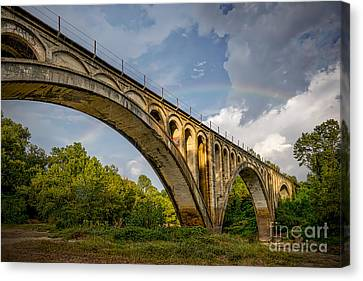 Confederate Rainbow At Bovina Canvas Print by T Lowry Wilson