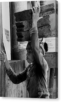 Canvas Print featuring the photograph Construction Labourer - Bw by Werner Padarin