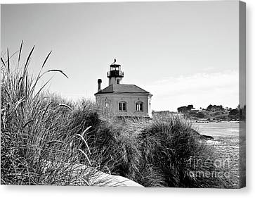Coquille River Lighthouse - Pov 3 Bw Canvas Print