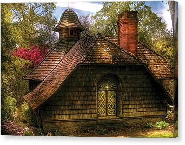 Cottage - Sweet Old Lady House Canvas Print by Mike Savad