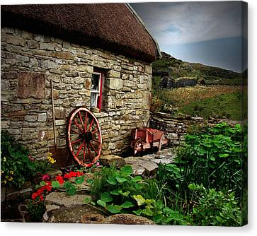 Cottage On The Moor Canvas Print