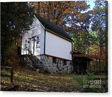 Country Cottage In Autumn Canvas Print by Desiree Paquette
