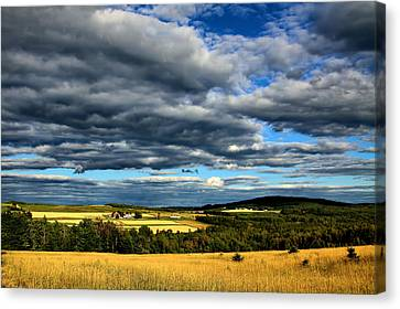Canvas Print featuring the photograph Country Farm by Gary Smith