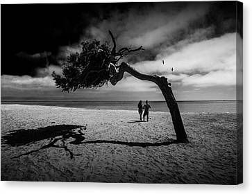 Canvas Print featuring the photograph Couple On Cabrillo Beach By Los Angeles California by Randall Nyhof
