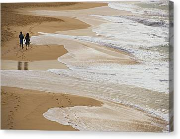 Couple Walking Makena Beach Canvas Print by Panoramic Images