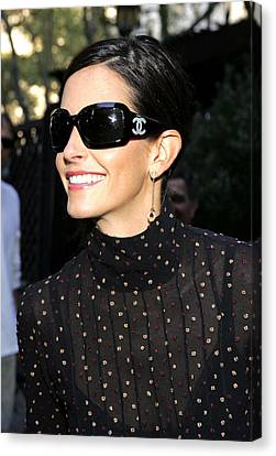 Courteney Cox Wearing Chanel Sunglasses Canvas Print