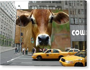Cowhouse Street Art 02 Canvas Print by Geordie Gardiner