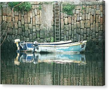 Crail Harbour Canvas Print