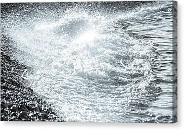 Crashing Waves Canvas Print by Andrea Mazzocchetti