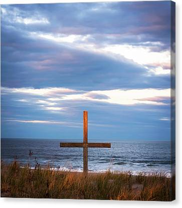 Canvas Print featuring the photograph Cross Light Square by Terry DeLuco