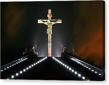 Crucifixion In Darkness Canvas Print