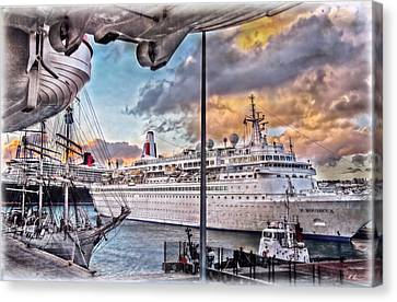 Canvas Print featuring the photograph Cruise Port - Light by Hanny Heim