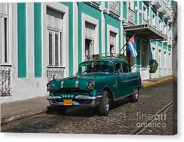 Canvas Print featuring the photograph Cuba Cars II by Juergen Klust
