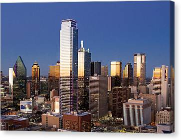 Dallas Reunion Nights Canvas Print by Rospotte Photography