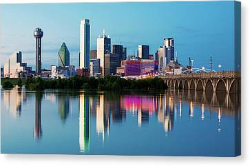 Dallas Skyline Mirror 53016 Canvas Print by Rospotte Photography
