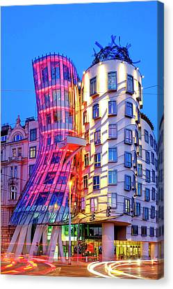 Canvas Print featuring the photograph Dancing House by Fabrizio Troiani
