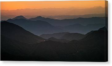 Dawn At Jirisan Canvas Print by Ng Hock How