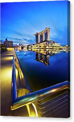 Dawn At Marina Bay Promenade Singapore Canvas Print by Ng Hock How