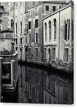 Canvas Print featuring the photograph Dawn Canal, Venice, Italy by Richard Goodrich