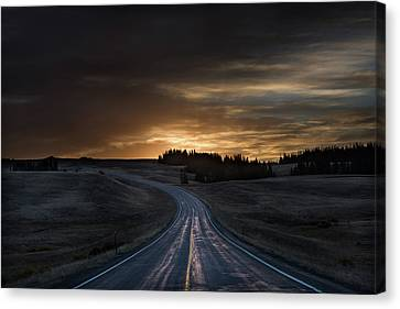Dawn Over Wyoming 14a Canvas Print by Steve Gadomski